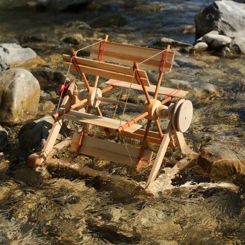 Walter Kraul Flußrad nutzt strömendes Wasser
